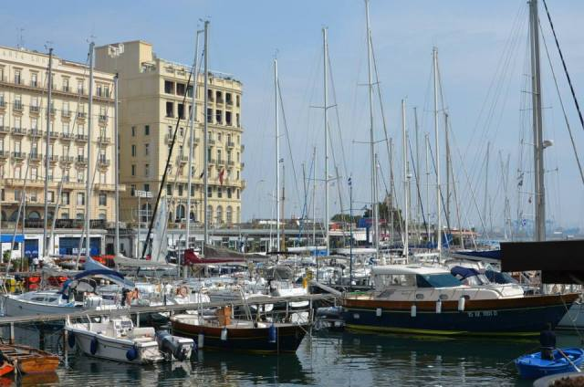 """If you are rich enough, here the most beautiful hotels in Naples: """"Santa Lucia"""" and """" Excelsior"""""""