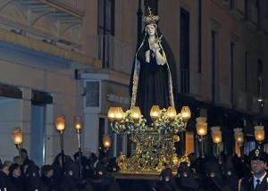 Statua settecentesca della Madonna Addolorata portata in processione
